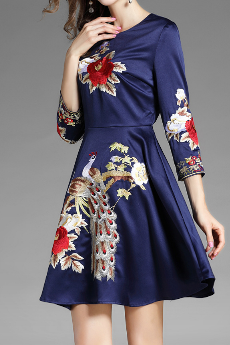 Women Retro Embroidery Bodycon Mini Dress HY103006